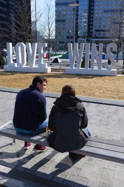 Statue Love Wins - Seaport District - L'émergent Seaport District à Boston - Amérique, États-Unis, Massachusetts