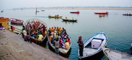 bateau transport foule - varanasi - L Inde du Nord en quatre étapes - Asie, Inde
