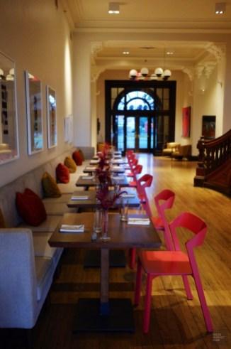 Restaurant de l'hôtel Henry à Buffalo - Sportifs d'estrades et chambre d'Art - Road trip en Ontario - Amérique du Nord, Canada