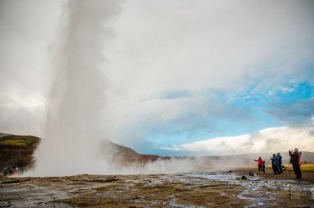 explosion geyser fameux triangle d or islande europe