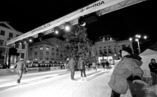 patinoire extérieure - Bratislava, Slovaquie - Marchés de Noël - Europe, Autriche, République tchèque, Slovaquie