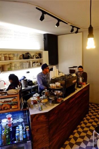 Barista Chiquitito - Chiquitito Café dans Condesa - 3 cafés à Mexico - Amérique du Nord, Mexique