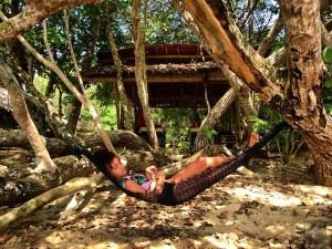 Un hamac sous les arbres - Accès à la plage privée - Krabi et son unique resort écologique - Asie, Thaïlande