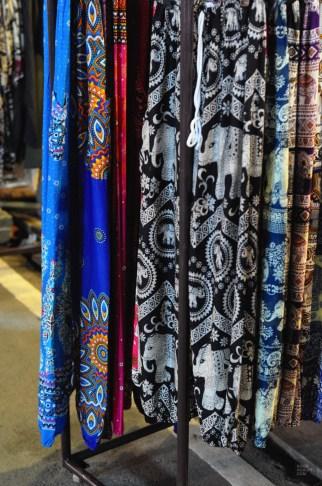 Les pantalons thais - Le Night Market - Pai et la fraicheur des montagnes - Asie, Thaïlande