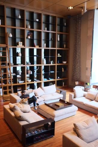 Coin bibliothèque pour relaxer - Le Germain Mercer - 12 Hôtels à Toronto - Amérique du Nord, Canada, Ontario