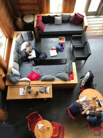 Vue sur le bistro - Auberge du Lac Taureau - Amérique du Nord, Canada, Québec, Lanaudière, À haire, Hôtels, Roadtrip