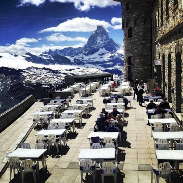Terrasse avec vue sur le Matterhorn - Zermatt, Valais - Zermatt, la quintessence de la Suisse - Europe, Suisse
