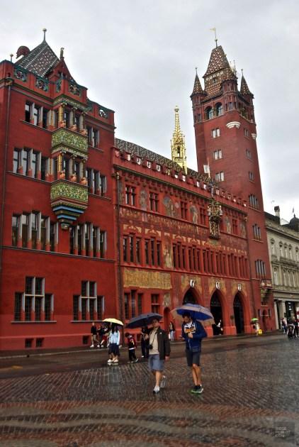 Hôtel de ville - Quartier historique et monuments importants - Bâle, une ville au coeur de trois pays - Destination, Europe, Suisse