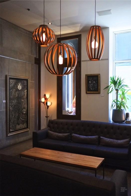 Lobby chaleureux - Les espaces communs - L'hôtel 71 dans le Vieux-Québec - Québec, Canada