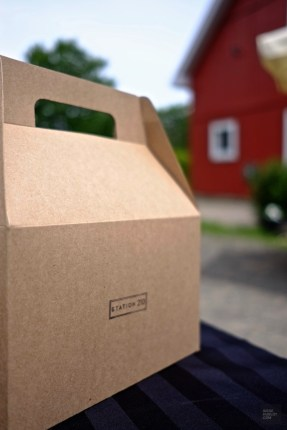En profiter pour pique-niquer - Brasserie Wilsy - Une journée dans les Basses-Laurentides - Amérique du Nord, Canada, Québec, Laurentides