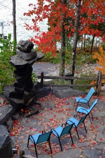 Aire de repos près du foyer - NRJ Spa Nordique - Balade en Beauce - Amérique du Nord, Canada, Québec, Chaudière-Appalaches