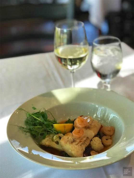 Une morue parfaite - Restaurant Le Saint-Patrice - Un épicurien à Rivière-du-Loup - Amérique du Nord, Canada, Québec, Bas St-Laurent