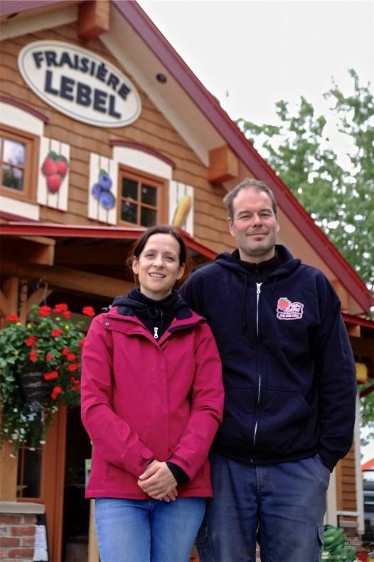 Nathalie et Martin - Fraisière Lebel - Un épicurien à Rivière-du-Loup - Amérique du Nord, Canada, Québec, Bas St-Laurent