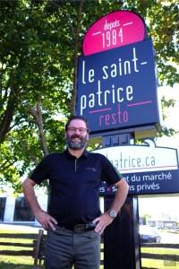 Richard le propriétaire - Restaurant Le Saint-Patrice - Un épicurien à Rivière-du-Loup - Amérique du Nord, Canada, Québec, Bas St-Laurent