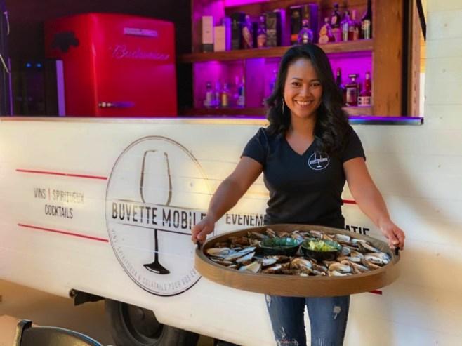 Win devant La Buvette Mobile - Les Paniers du Chef - Balade en Beauce - Amérique du Nord, Canada, Québec, Chaudière-Appalaches