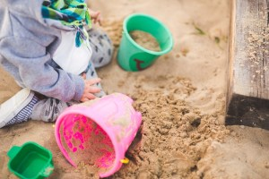 s_sand-summer-outside-playing