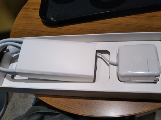MacBook Airの充電器