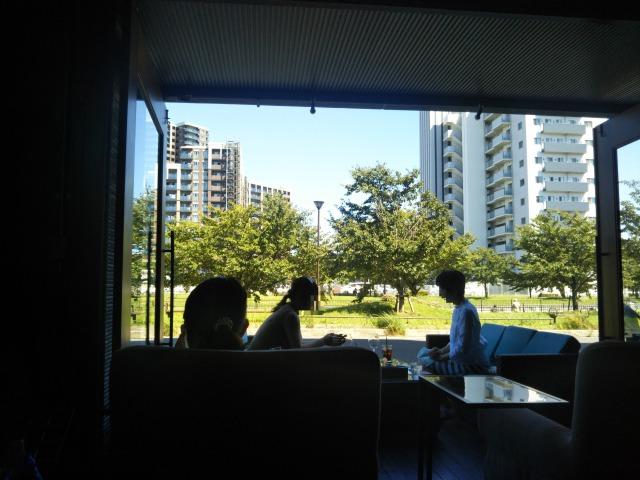 三郷中央駅のおしゃれで景色がいいカフェSTARK PLACEに行ってきた