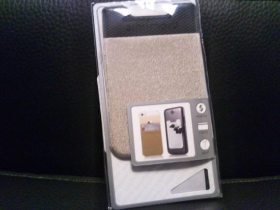 スマホに貼るカードケース