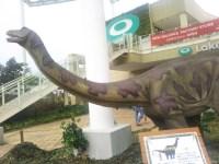 レイクタウンアウトレットで子供が大好き「わくわく恐竜王国」動く恐竜に興味津々