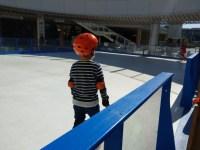 初めてのスケート体験。パネルリンクはあまり滑らないので子供にはおすすめ