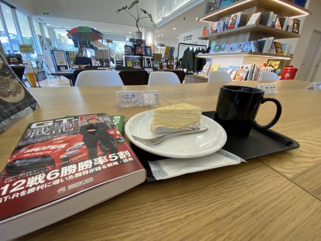 ブックカフェでゆっくり本を読める時間を大切にしたい