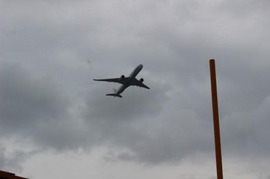 ウミカジテラス飛行機