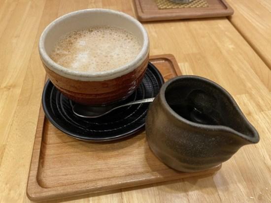 茶鍋カフェ 神楽坂 茶寮きな粉ラテ