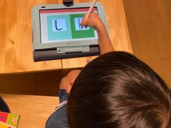 タブレット学習のスマイルゼミ を始めてから親も子もイラっとしなくなった。学習習慣を身につけるには良い