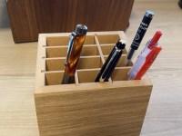 無印良品のMDFペンスタンドが便利。使いたいペンがすぐ取れる