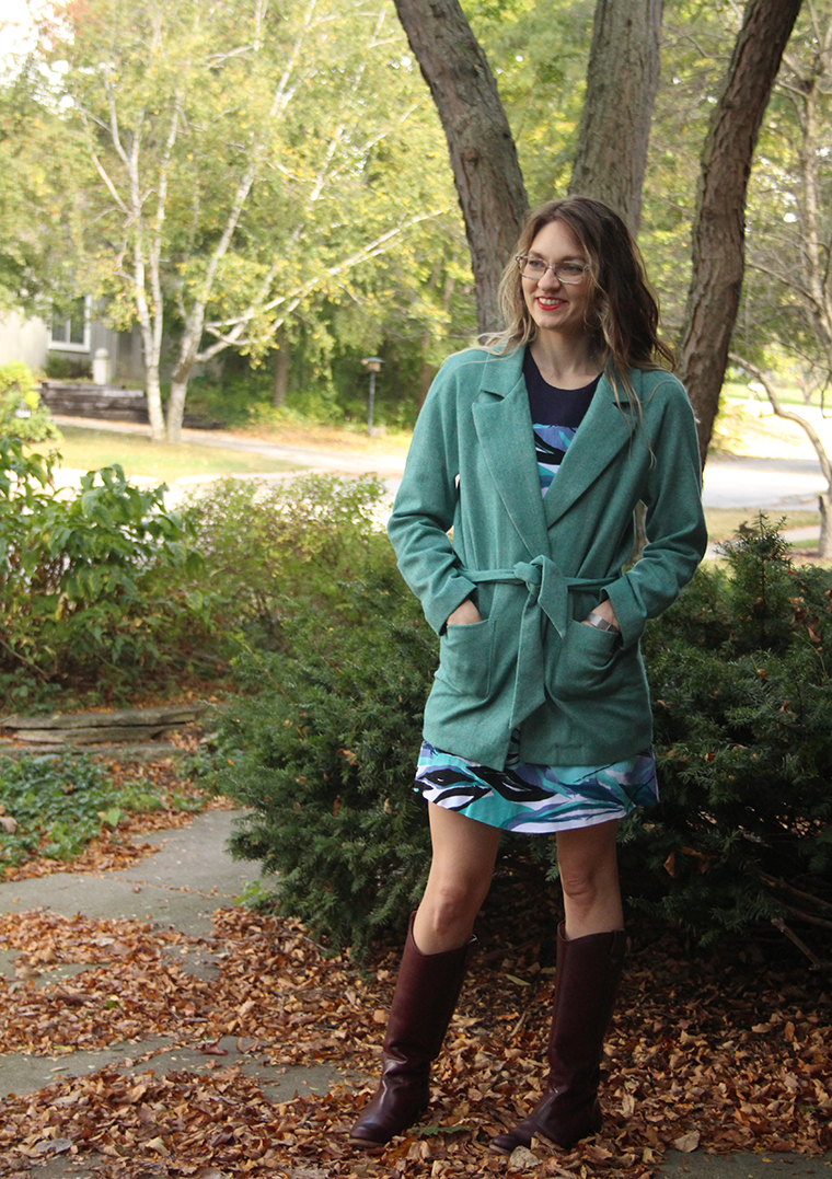 I am mighty pleased with my peacock blue-green wool Yona coat, a sewing pattern from Named.
