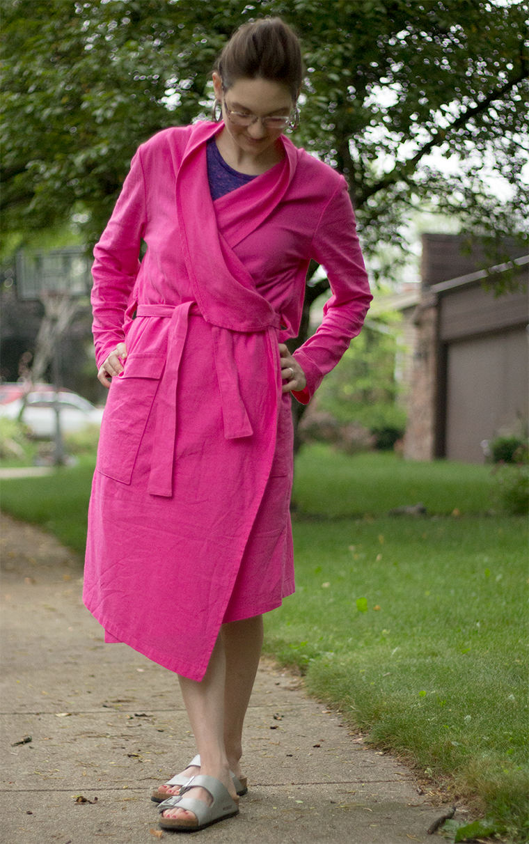 I used lipstick pink Kaufman Brussels washer linen, a linen-rayon blend, to stitch the Victory Patterns Ulysses trench.