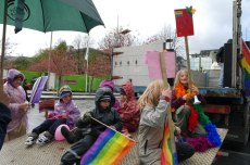 3. Содомитите в норвежкия град Берген направиха детски гей-парад с цел пропаганда на содомията сред невръстните създания.