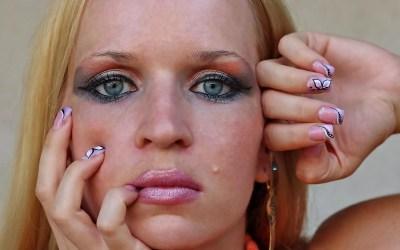 14 fallos de maquillaje que te agregan años