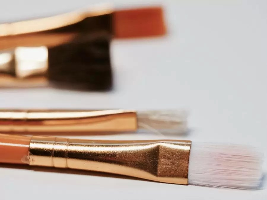 Como limpiar tus brochas de maquillaje sucias