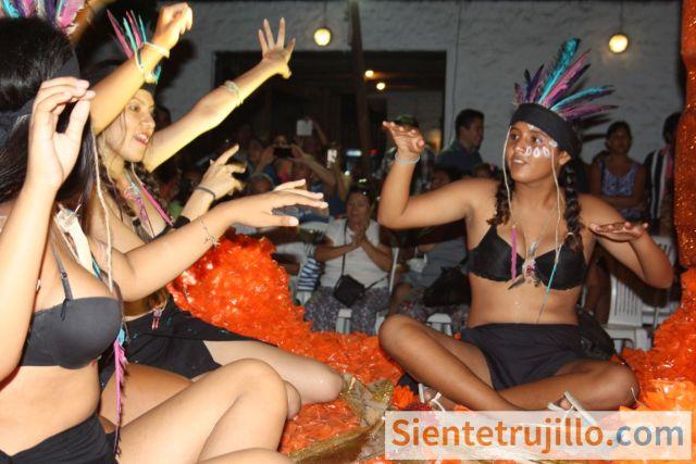 Carro alegórico del Corso del Carnaval de Huanchaco