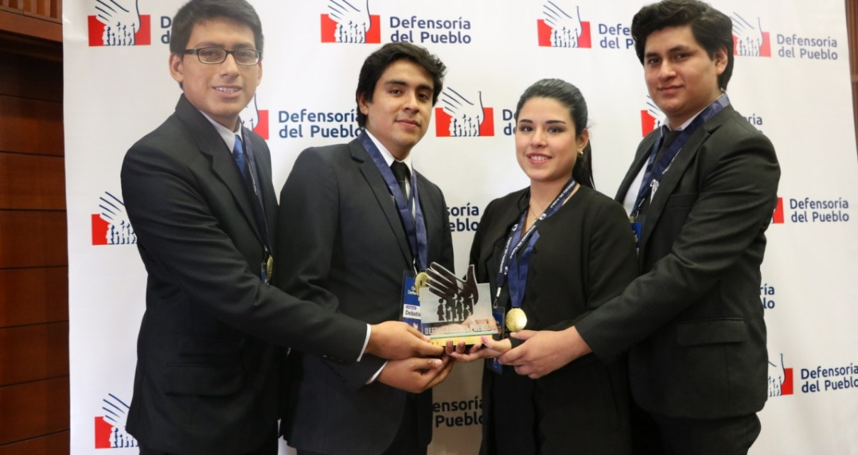 Debate Defensorial Universitario