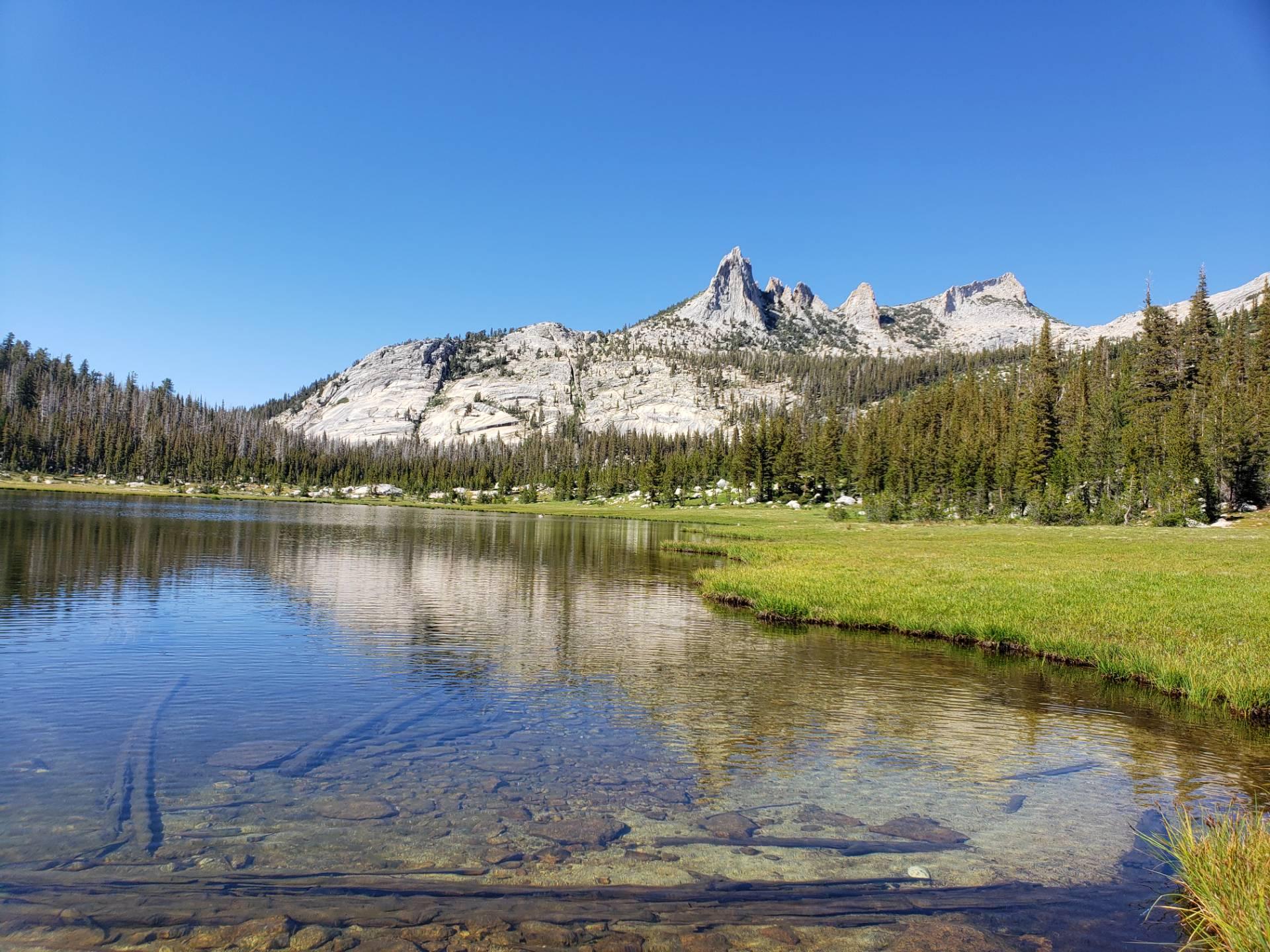 Echo-Lake-and-Peak-yosemite-2019