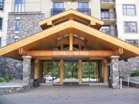 the_westin_monache_hotel_entrance_mammoth_lakes_ca
