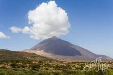 национальный парк и вулкан Тейде в облаках