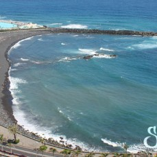 Общий вид на пляж Мартианес