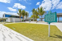 Barefoot Bungalow - Gull Cottage Siesta Key Beachside Villas