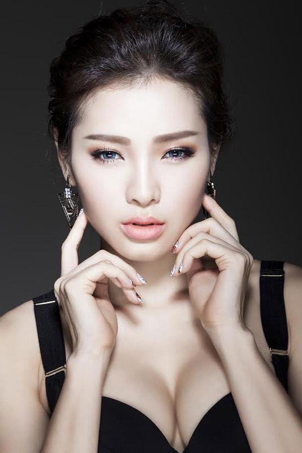 dung-hinh-vi-ve-dep-khong-goc-chet-cua-phuong-trinh-jolie (2)