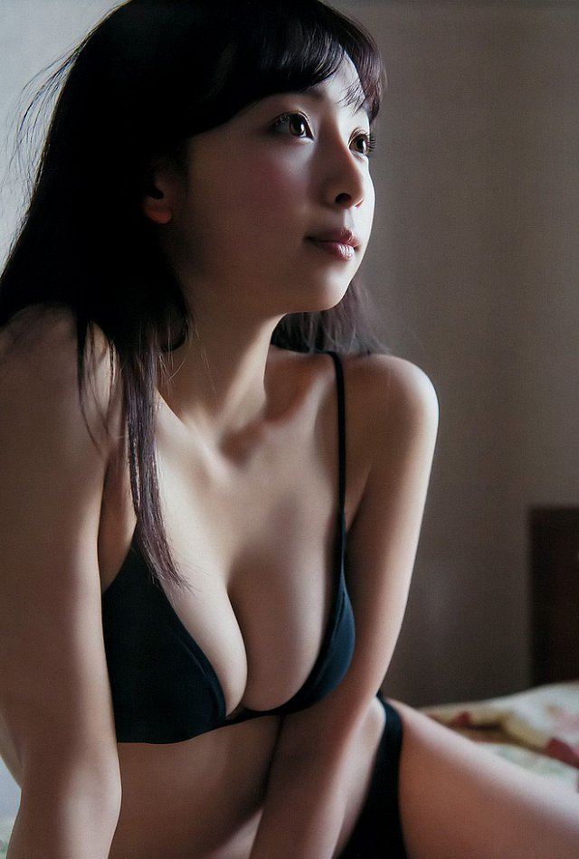 nong-bung-vi-mai-ngam-Asuka-Hanamura-khoe-body-cang-net (10)