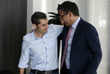 Barca muốn nhanh chân trói chặt Valverde