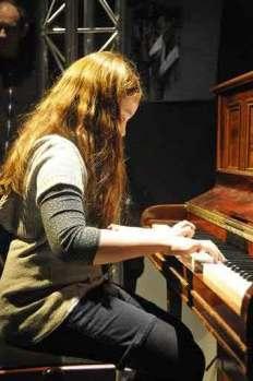 Jeune élève pianiste, sifacil