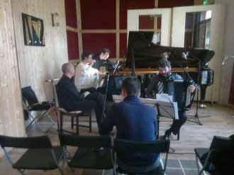 Répétition trio: piano, accordéon, clarinette centre Malambo