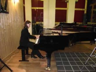 Julie joue Liszt