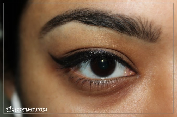 Easiest way to do a Cat-eye liner