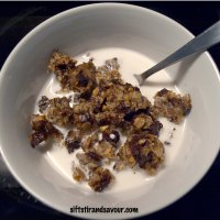 5 Ingredient Mondays: SUGAR-FREE CHUNKY MONKEY CEREAL (Vegan & Gluten-Free)